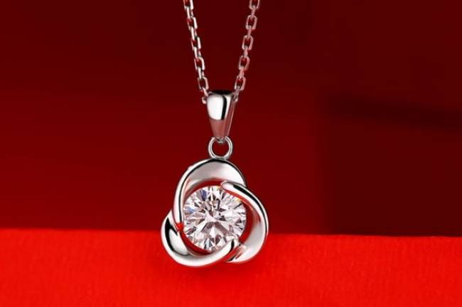 Moissanite Rose style Diamond Pendant Necklace Jewelry